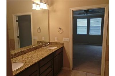 4 bedrooms House - Beautiful 2 stories home, SS appliances. Washer/Dryer Hookups!