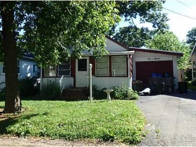 3 Bed 1 Bath Foreclosure Property in Rocky Point, NY 11778 - Sunburst Dr