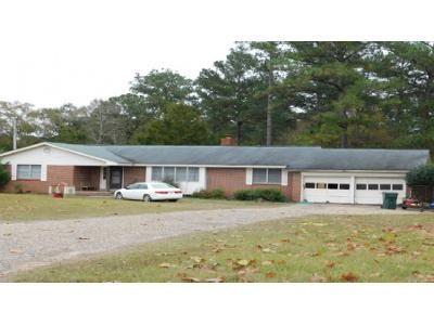 3 Bed 2 Bath Foreclosure Property in Opp, AL 36467 - Spurlin St