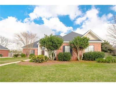 Spacious Home in Daphne with Guest Suite!