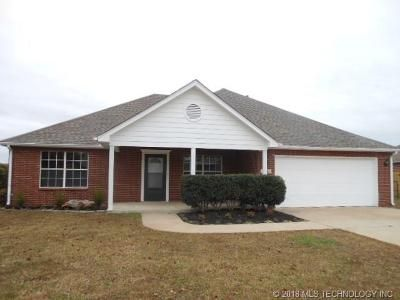 3 Bed 2 Bath Foreclosure Property in Coweta, OK 74429 - S 276th East Ave