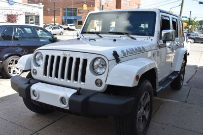 2016 Jeep Wrangler Unlimited Sahara (Bright White Clearcoat)