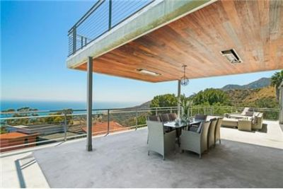 """3 bedrooms - Glass House"""" is a newly built three level modern masterpiece. Washer/Dryer Hookups!"""