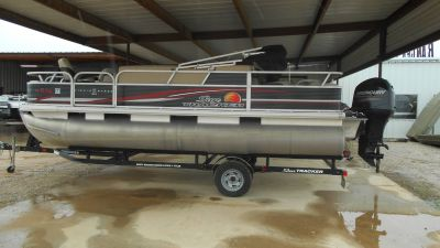2013 Sun Tracker Fishin' Barge 22 DLX Pontoon Boats Boats Eastland, TX