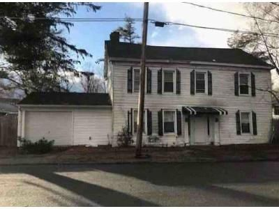 4 Bed 1 Bath Foreclosure Property in Stillwater, NY 12170 - Major Dickinson Ave