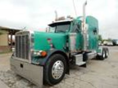 Used 2000 Peterbilt 379EXHD for sale.