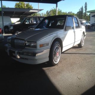 1989 Cadillac Seville Base (White)
