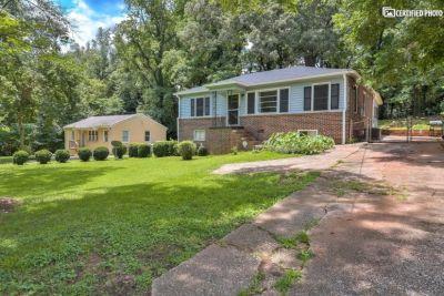$2550 3 single-family home in DeKalb County
