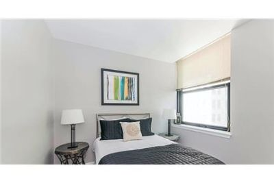 Bright Chicago, 2 bedroom, 1 bath for rent