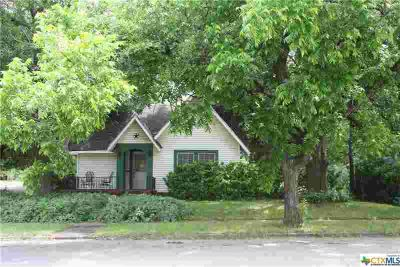 600 W 3rd Street McGregor, Charming 2BD/One BA home built in