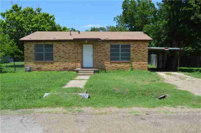 101 Pine Street ELM MOTT Two BR, Only minutes from IH-35 and on