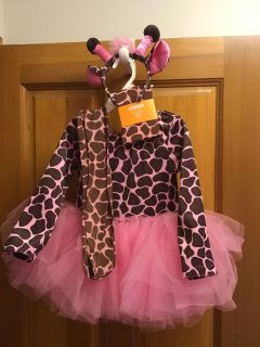 Gymboree giraffe costume with headband, and one pair of used tights and one pair new size 4t-5t