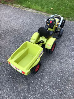 Claas pedal digger/tractor with trailer