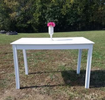 COUNTRY WHITE FARMSTYLE TABLE