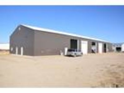 Beautiful, Centrally Located Williston Shop/Yard/Office. Excellent