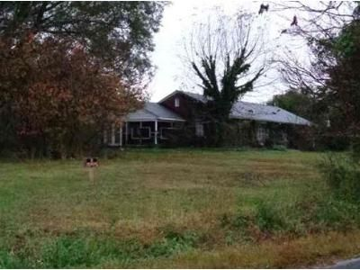 3 Bed 2.0 Bath Preforeclosure Property in Henderson, NC 27537 - Tollie Weldon Rd