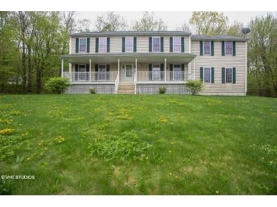 4 Bed 3 Bath Foreclosure Property in Terryville, CT 06786 - Country Garden Ct