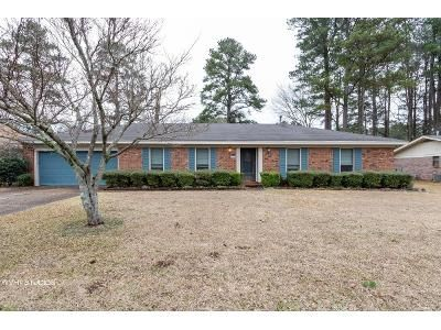 3 Bed 2 Bath Foreclosure Property in Columbus, MS 39705 - Crepe Myrtle Dr