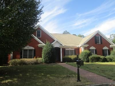3 Bed 2.5 Bath Preforeclosure Property in Powder Springs, GA 30127 - Weeping Willow Dr