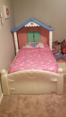 Kids Little Tikes regular twin size (house) bed & matching doll bed