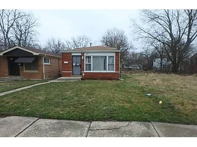 3 Bed 2 Bath Foreclosure Property in Harvey, IL 60426 - Myrtle Ave