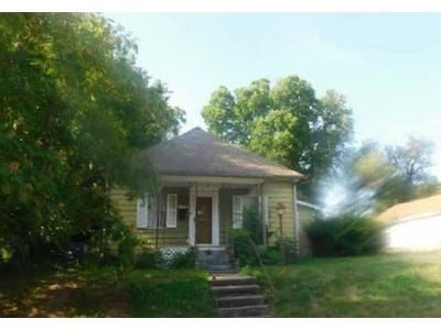 2 Bed 1 Bath Foreclosure Property in Webb City, MO 64870 - Crow St
