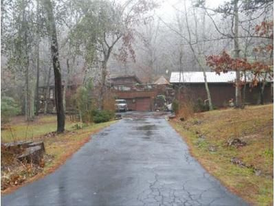 4 Bed 2 Bath Foreclosure Property in Berea, KY 40403 - Pine Valley