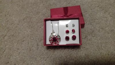 Red 4 pc gift set
