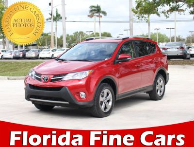 2015 Toyota RAV4 XLE (red)