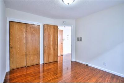 Light filled unit Pet friendly for showing schedule