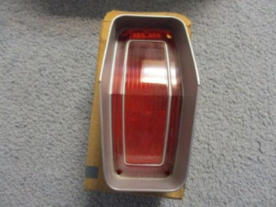 Sell nos 1970 oldsmobile cutlass s taillight lens lamp tail llight 5964137 motorcycle in Hayden, Idaho, United States