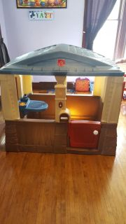 Step 2 Cozy Cottage Playhouse
