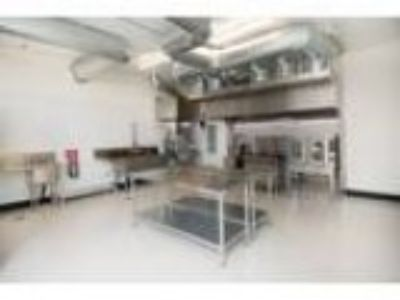 Want to Rent a Fully-Equipped Commercial Catering Kitchen (Multn