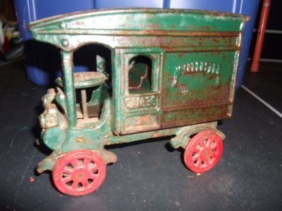 Vtg Cast Iron Delivery Truck