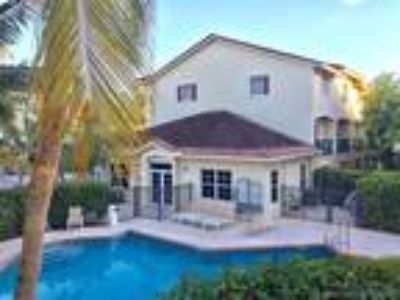 Condos & Townhouses for Sale by owner in Miami Shores, FL