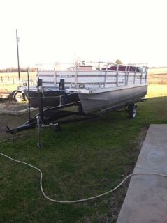 20 foot lowe pontoon with 70 johnson (palestine)