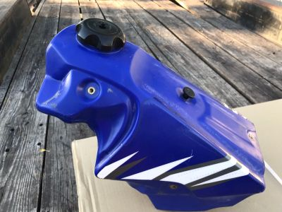 Motorcycle Fuel tank for a Yamaha 2004/2005?