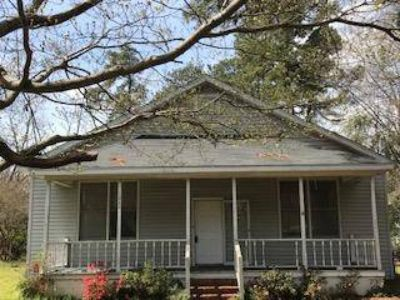 1020 Bordeaux Ave Sumter Three BR, This is a great investment.
