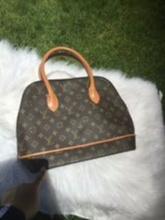 Lv Purse Good Condition