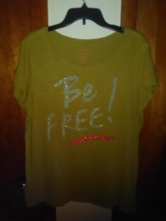 OLD NAVY Woman's T- Shirt XLG will fit (1-2 X)