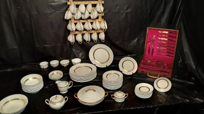 golden leaf dishes ,PRICED TO SELL