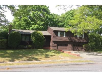 3 Bed 1.5 Bath Preforeclosure Property in Lynnfield, MA 01940 - Saunders Rd