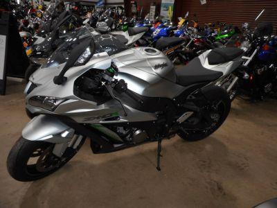 2018 Kawasaki NINJA ZX-10R SuperSport Motorcycles Belvidere, IL
