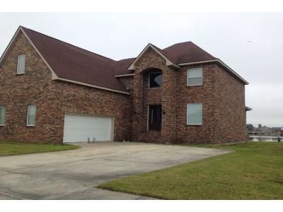 4 Bed 3.5 Bath Preforeclosure Property in New Orleans, LA 70128 - Chatelain Dr