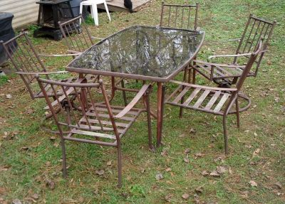 Glass Top Patio Table w/6 Chairs