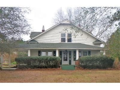 4 Bed 3 Bath Foreclosure Property in Newton Grove, NC 28366 - Mclamb Rd