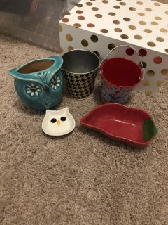 Various containers/organizers