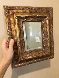 Pretty Gold mirror good quality ppu only