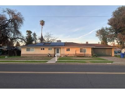 3 Bed 1.5 Bath Preforeclosure Property in Laton, CA 93242 - De Woody Ave