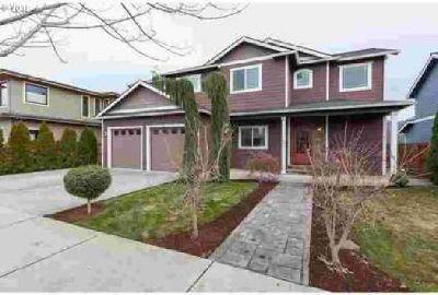 1645 3rd St Hood River Five BR, Wonderful home built w/options
